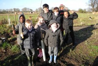 forty_hill_school_planting